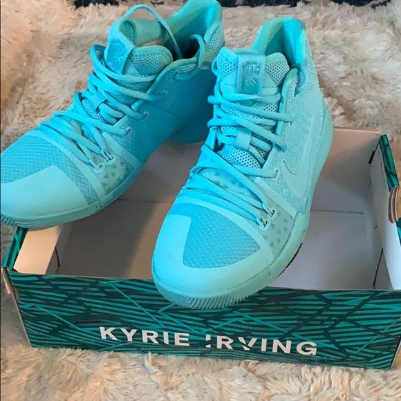 finest selection fc723 924fd Kyrie 3 Nike shoes size 7y fits 8 women mint blue